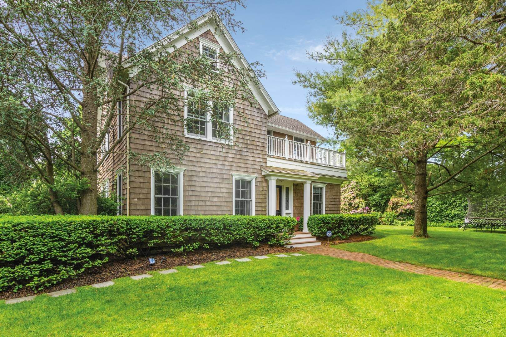 2. Single Family Home at Village Living Southampton, NY 11968