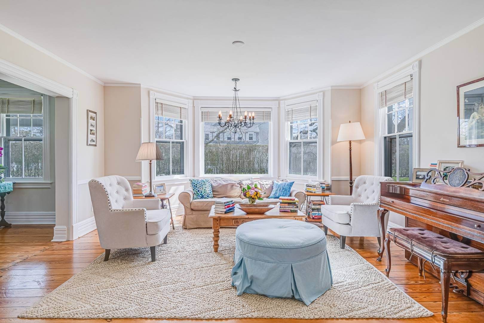 7. Single Family Home at Westhampton Beach Rental With A Heated Pool 19 Bayfield Lane, Westhampton Beach Village, NY 11978