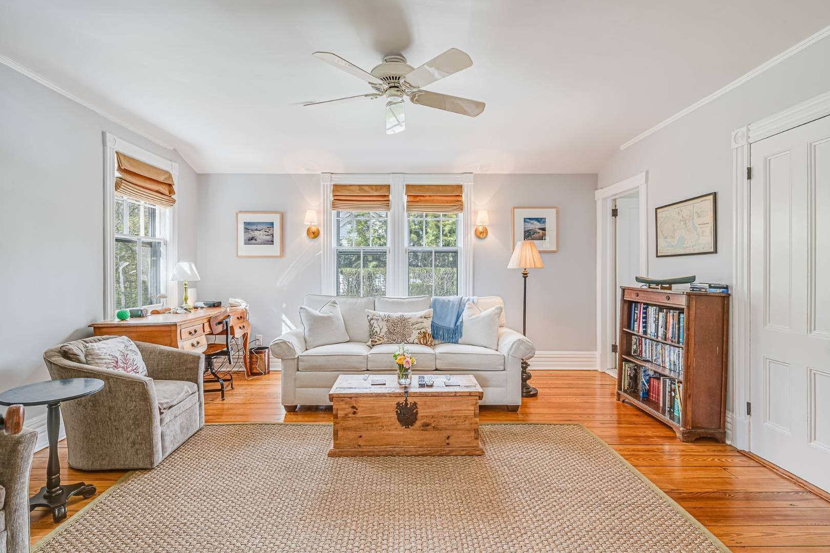 9. Single Family Home at Westhampton Beach Rental With A Heated Pool 19 Bayfield Lane, Westhampton Beach Village, NY 11978