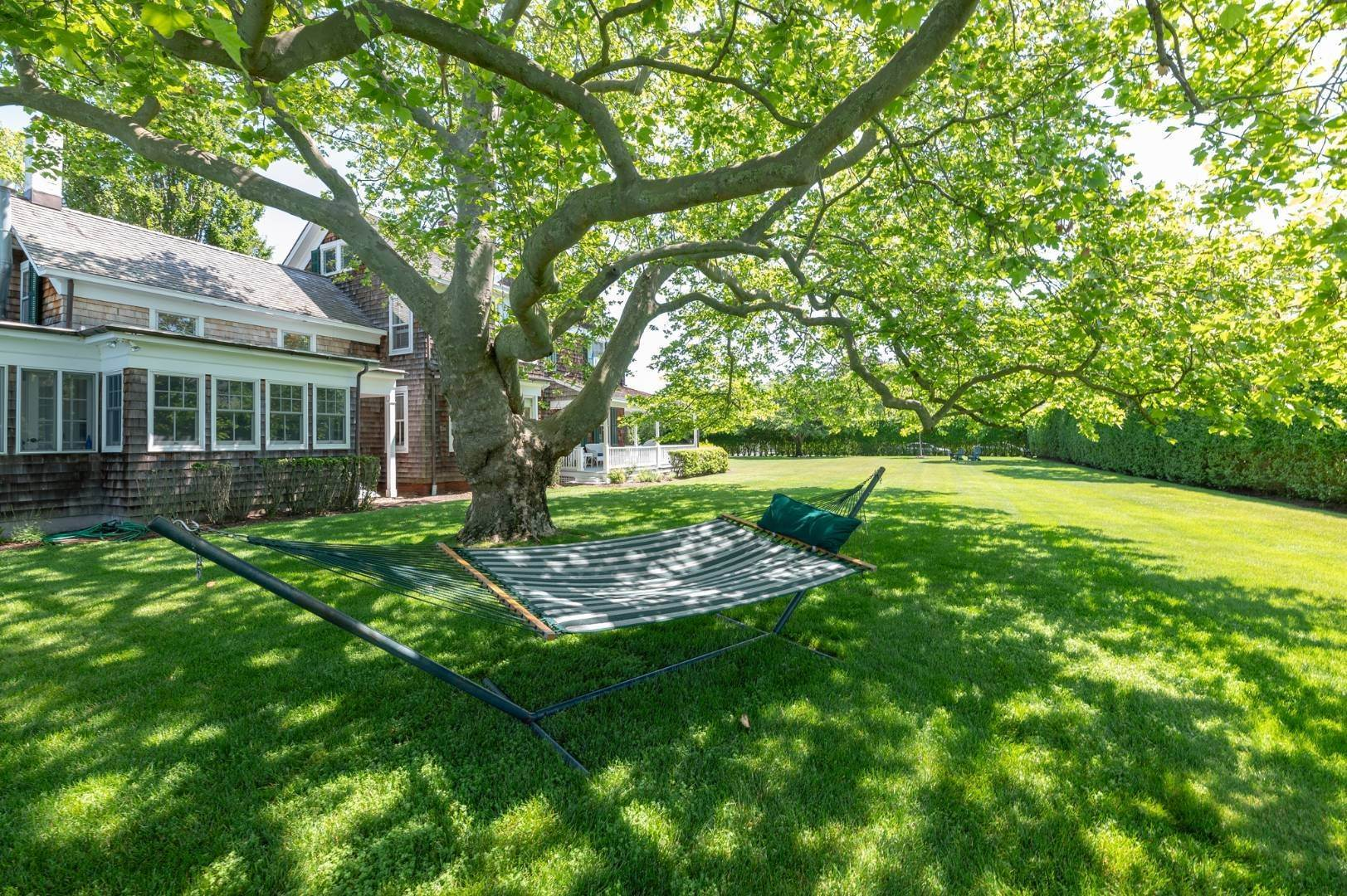 25. Single Family Home at Westhampton Beach Rental With A Heated Pool 19 Bayfield Lane, Westhampton Beach Village, NY 11978