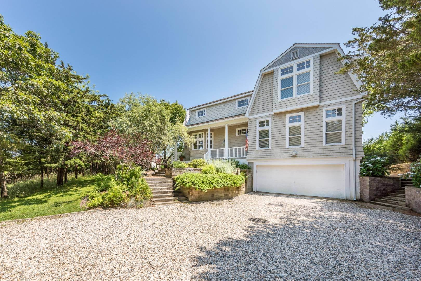 7. Single Family Home at At The Beach In Amagansett Amagansett, NY 11930