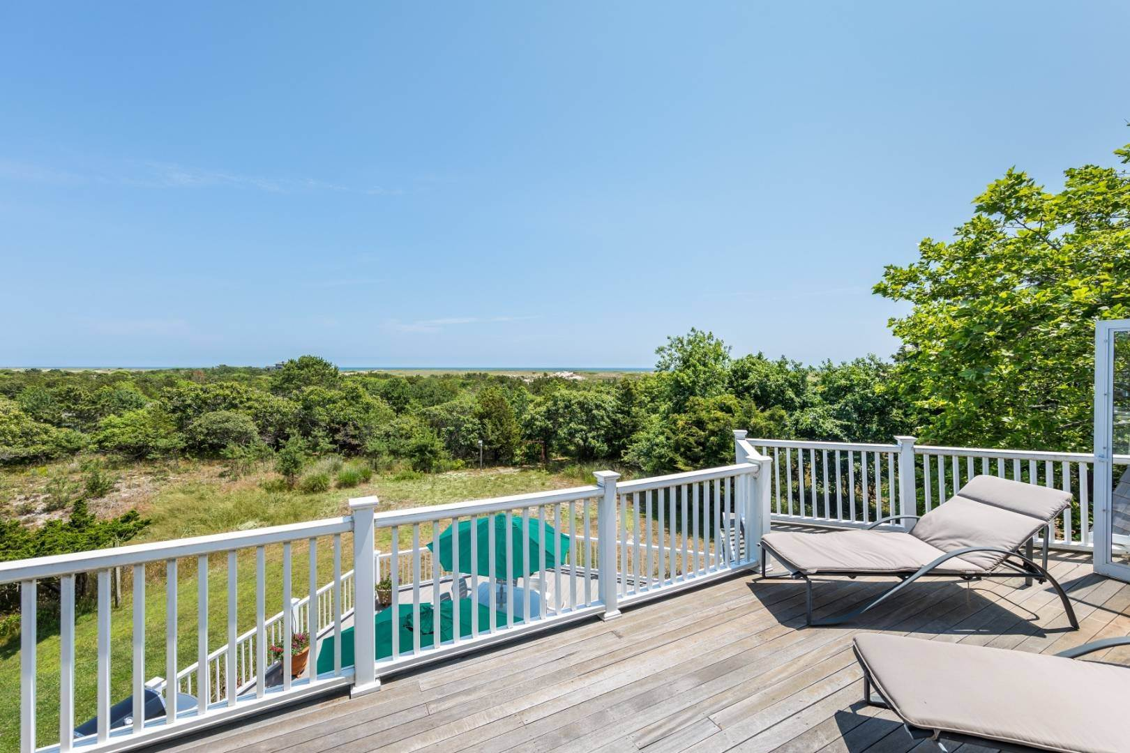2. Single Family Home at At The Beach In Amagansett Amagansett, NY 11930