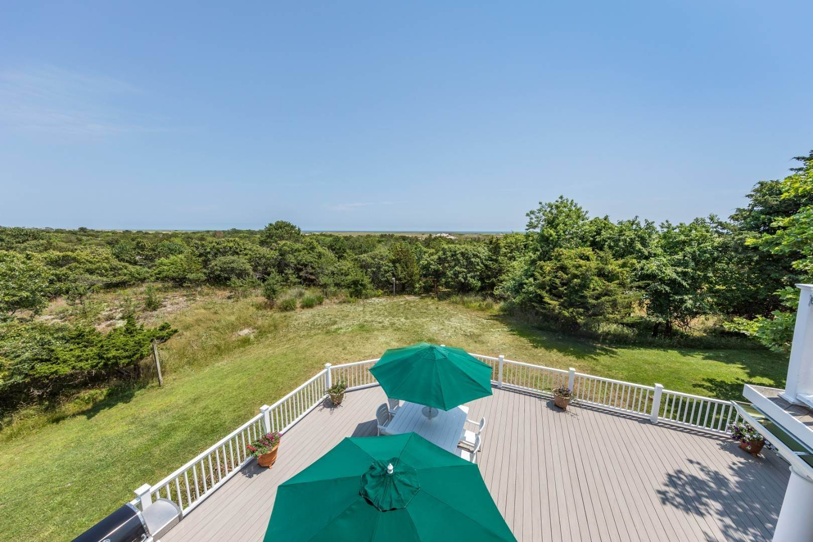 Single Family Home at At The Beach In Amagansett Amagansett, NY 11930