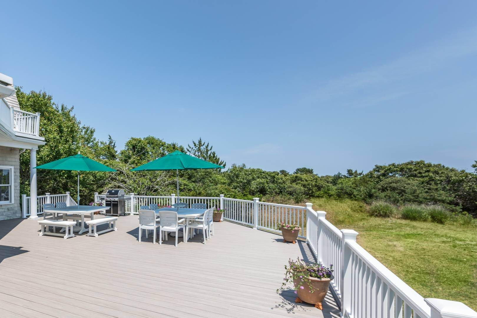 6. Single Family Home at At The Beach In Amagansett Amagansett, NY 11930