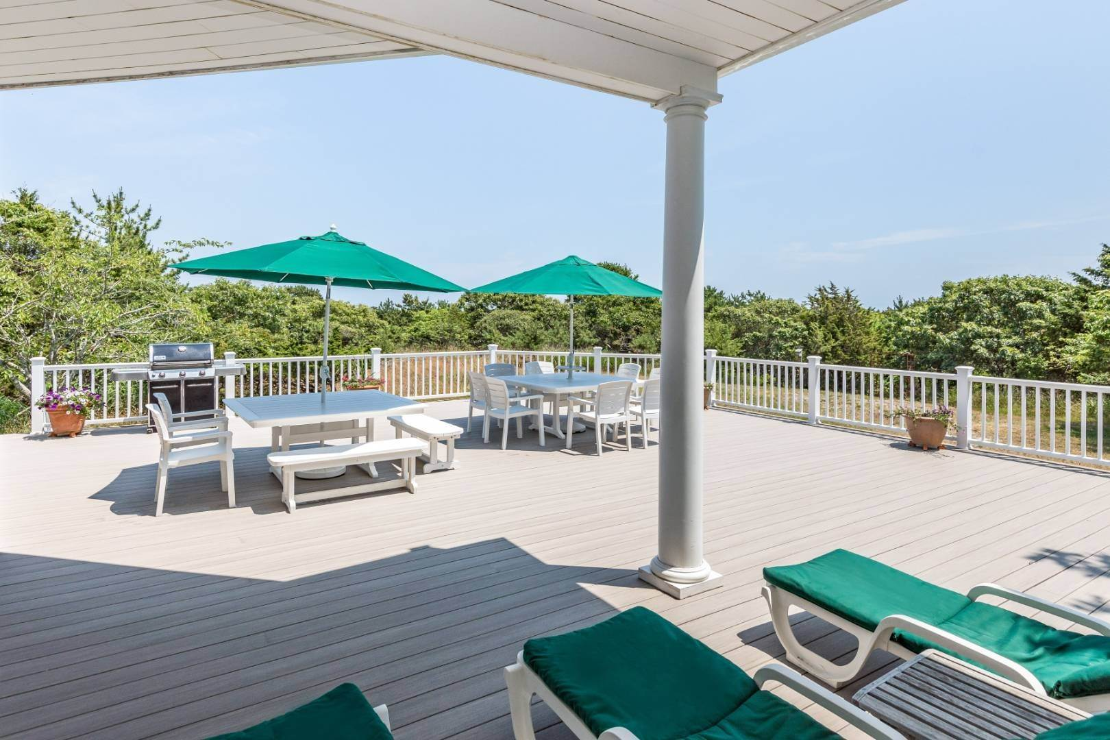 5. Single Family Home at At The Beach In Amagansett Amagansett, NY 11930