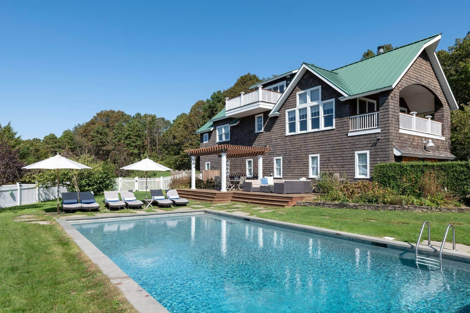 22. Single Family Home at Sunset Retreat In Water Mill 90 Lopers Path, Bridgehampton, NY 11976