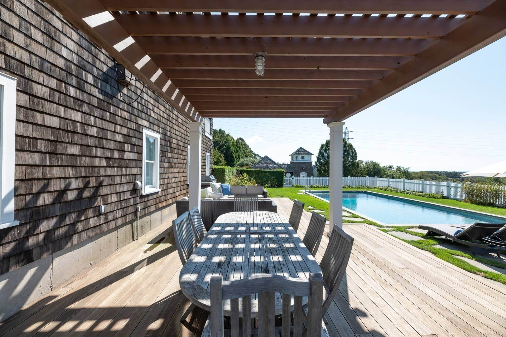 27. Single Family Home at Sunset Retreat In Water Mill 90 Lopers Path, Bridgehampton, NY 11976