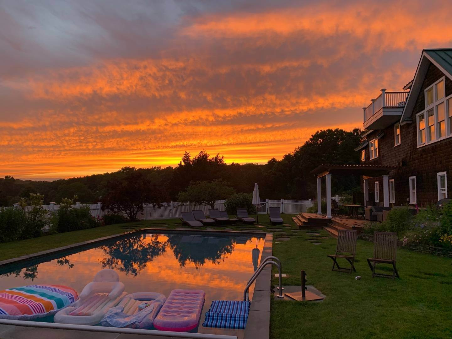4. Single Family Home at Sunset Retreat In Water Mill 90 Lopers Path, Bridgehampton, NY 11976