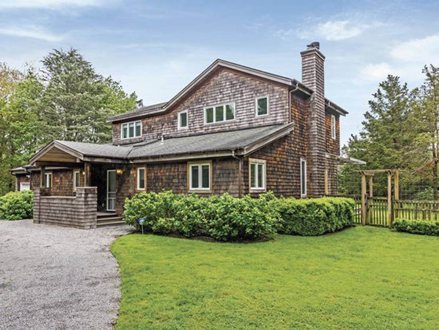 2. Single Family Home at Newly Designed Near Southampton Village 20 Schwenks Road, Water Mill, NY 11976