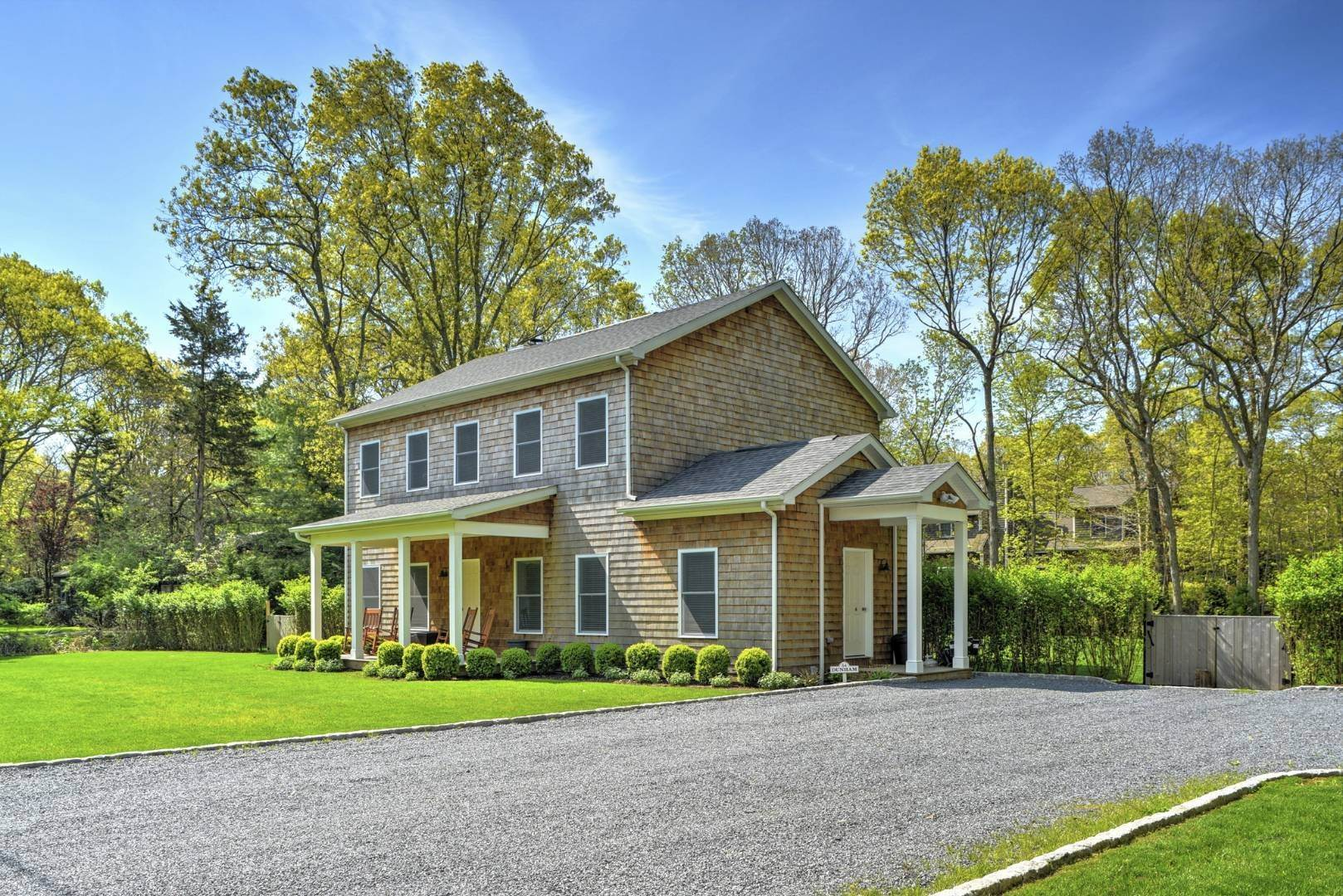 16. Single Family Home at Beautiful East Hampton Getaway East Hampton, NY 11937