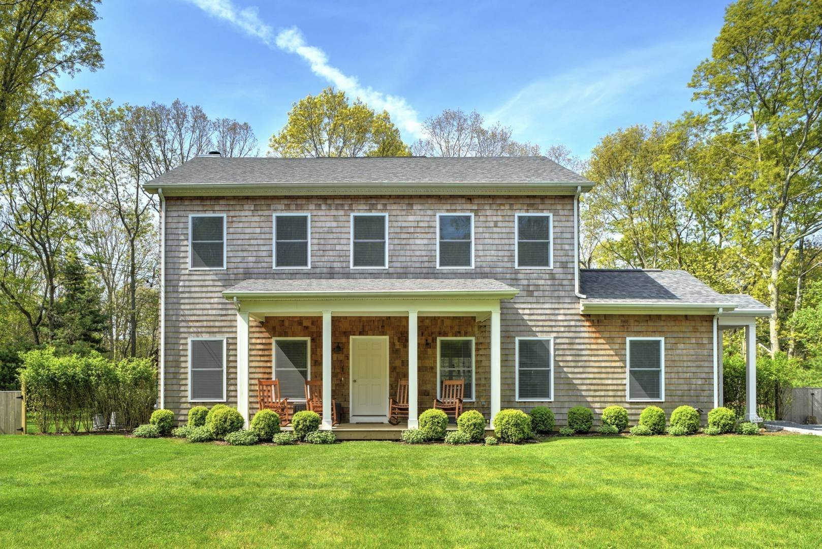 2. Single Family Home at Beautiful East Hampton Getaway East Hampton, NY 11937