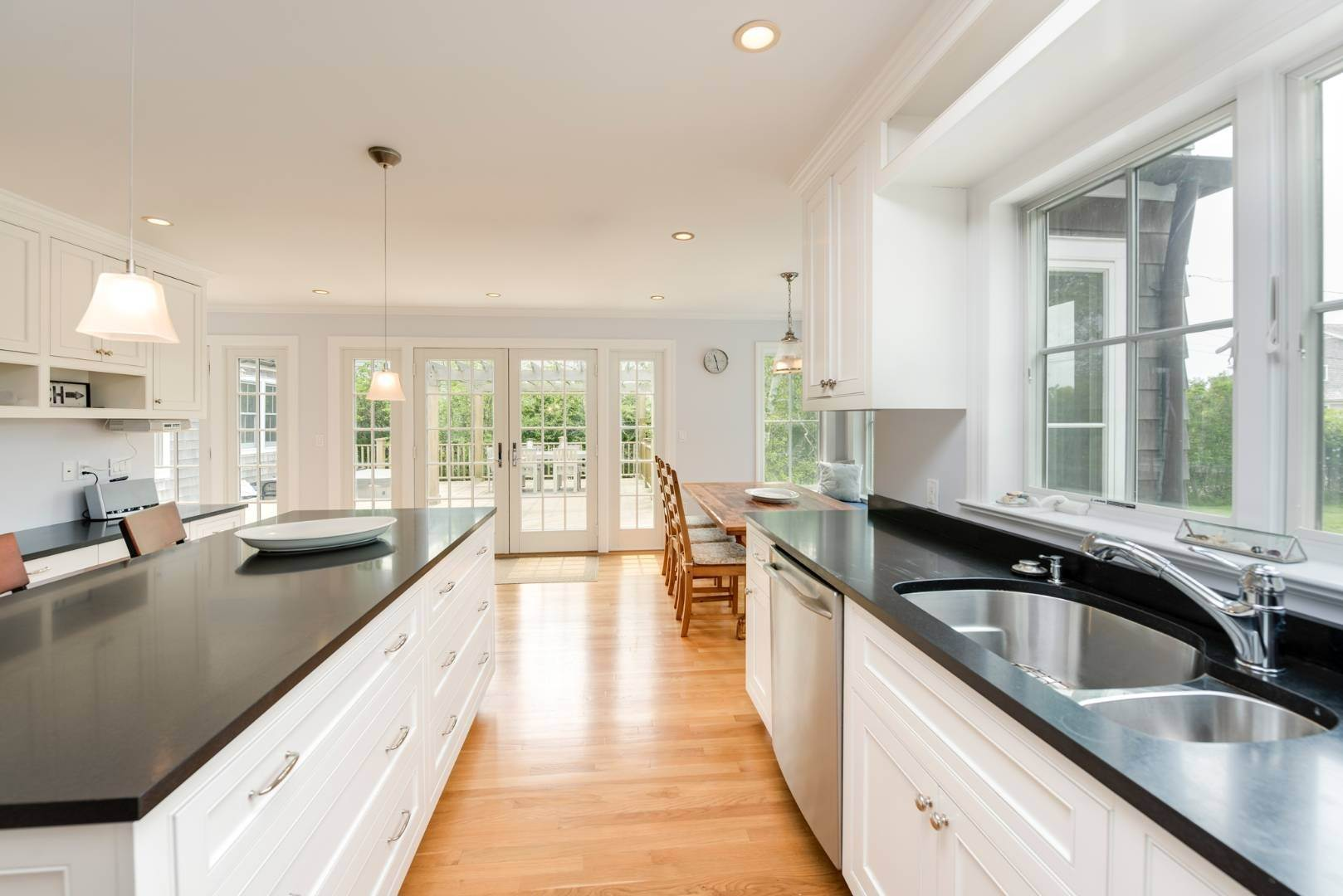 7. Single Family Home at Turnkey Renovated Village Traditional Only Half Mile To Ocean 87 Beach Lane, Westhampton Beach Village, NY 11978