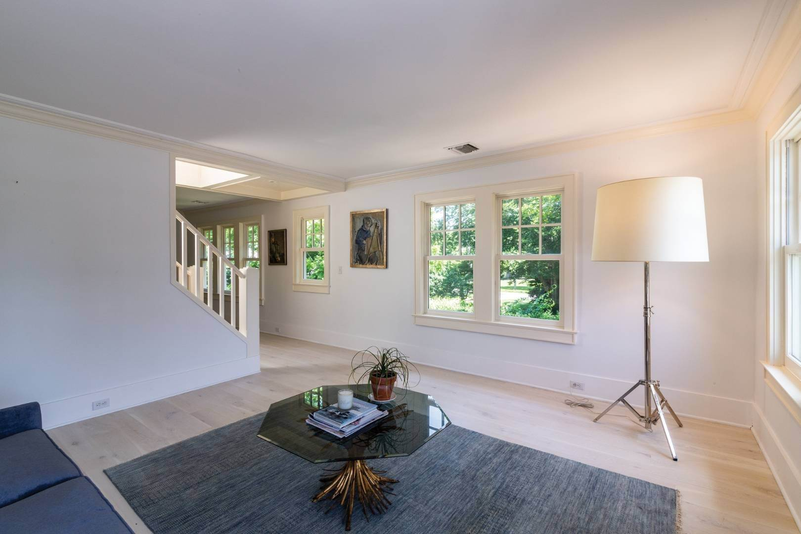 16. Single Family Home at Stunning Scandinavian Aesthetic East Hampton, NY 11937