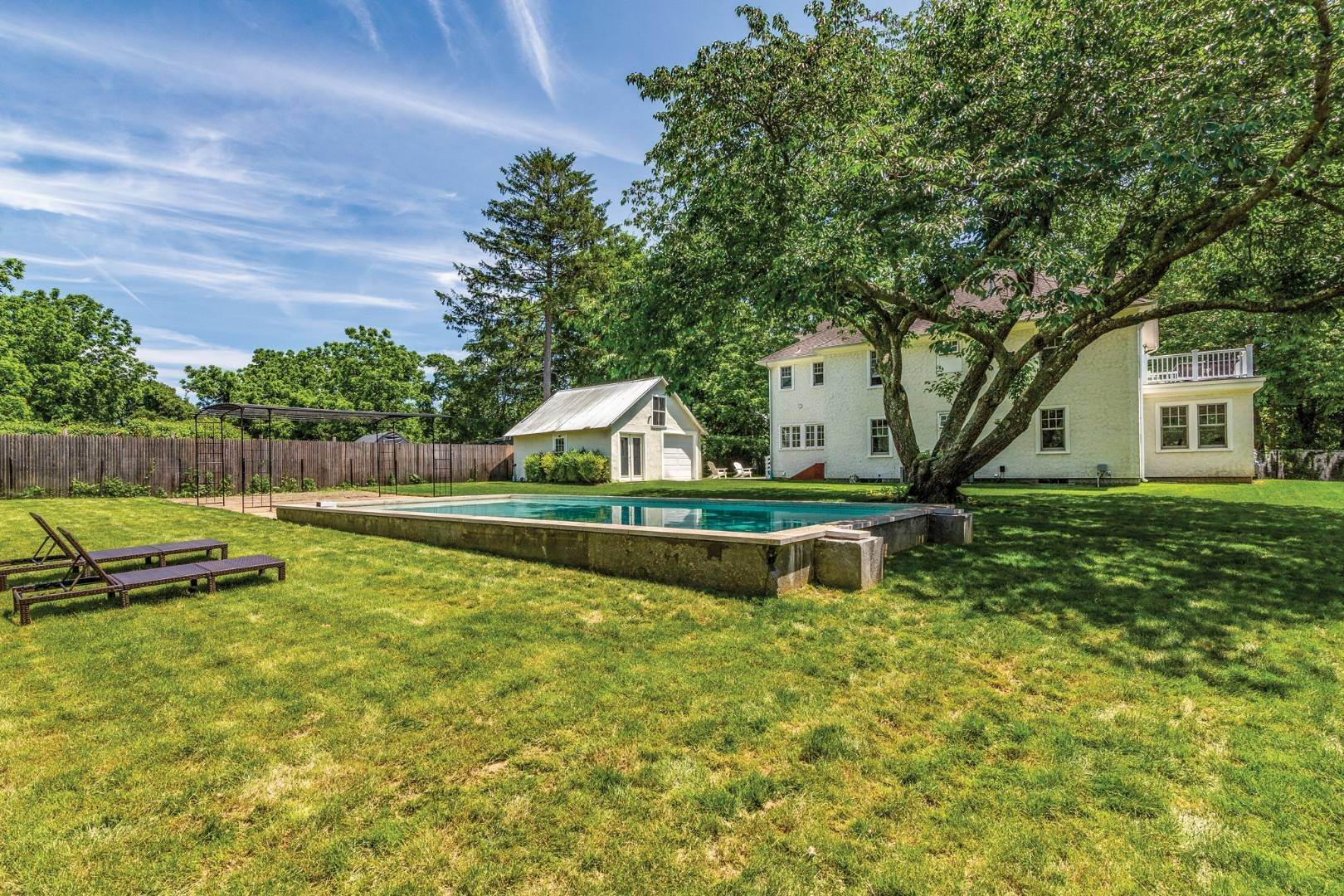1. Single Family Home at Stunning Scandinavian Aesthetic East Hampton, NY 11937