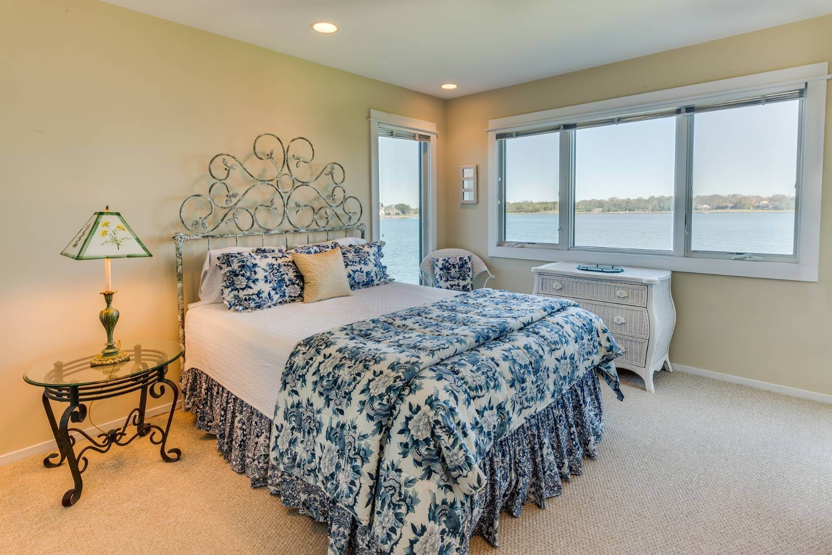 18. Single Family Home at Sag Harbor Waterfront Condo, Available Now! Sag Harbor, NY 11963