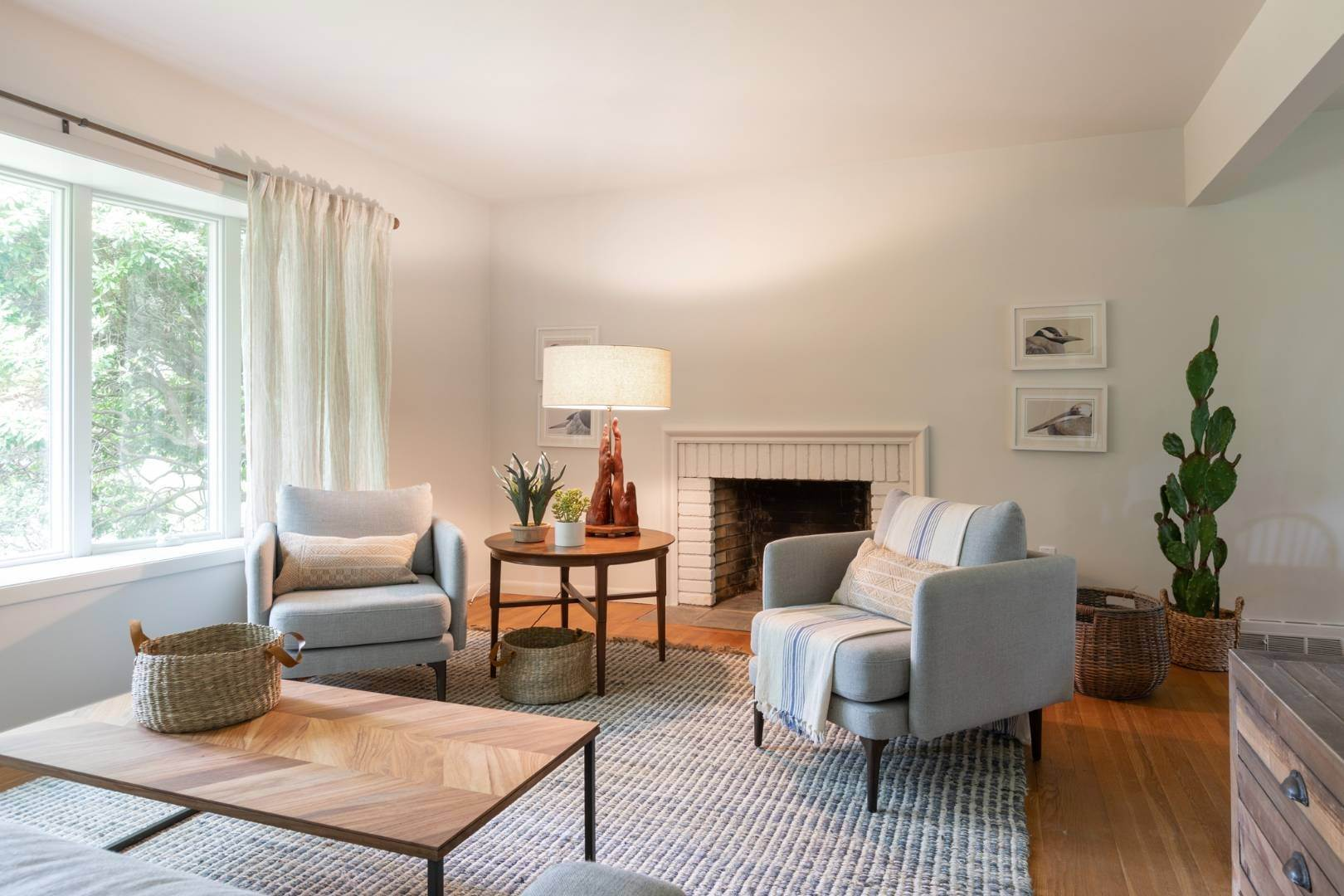 2. Single Family Home at East Hampton Rental By The Bay East Hampton, NY 11937