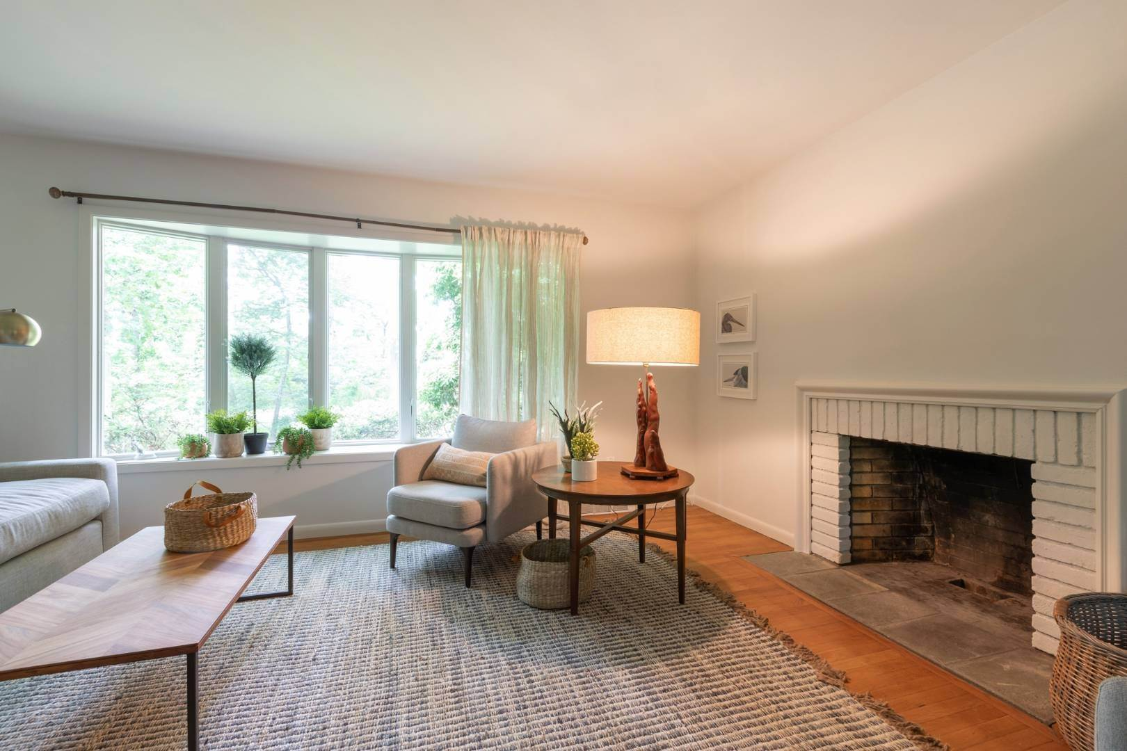 3. Single Family Home at East Hampton Rental By The Bay East Hampton, NY 11937