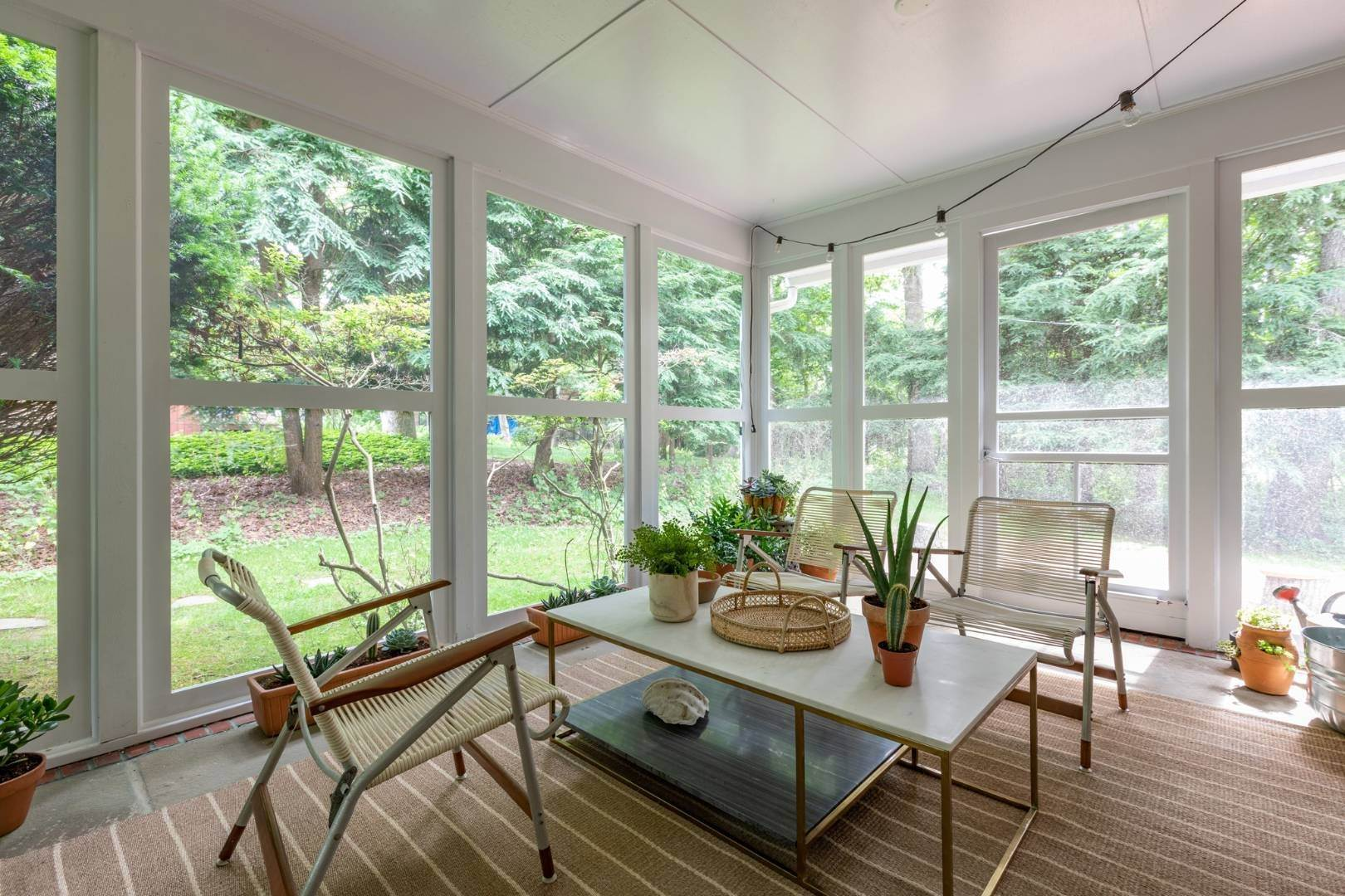 10. Single Family Home at East Hampton Rental By The Bay East Hampton, NY 11937
