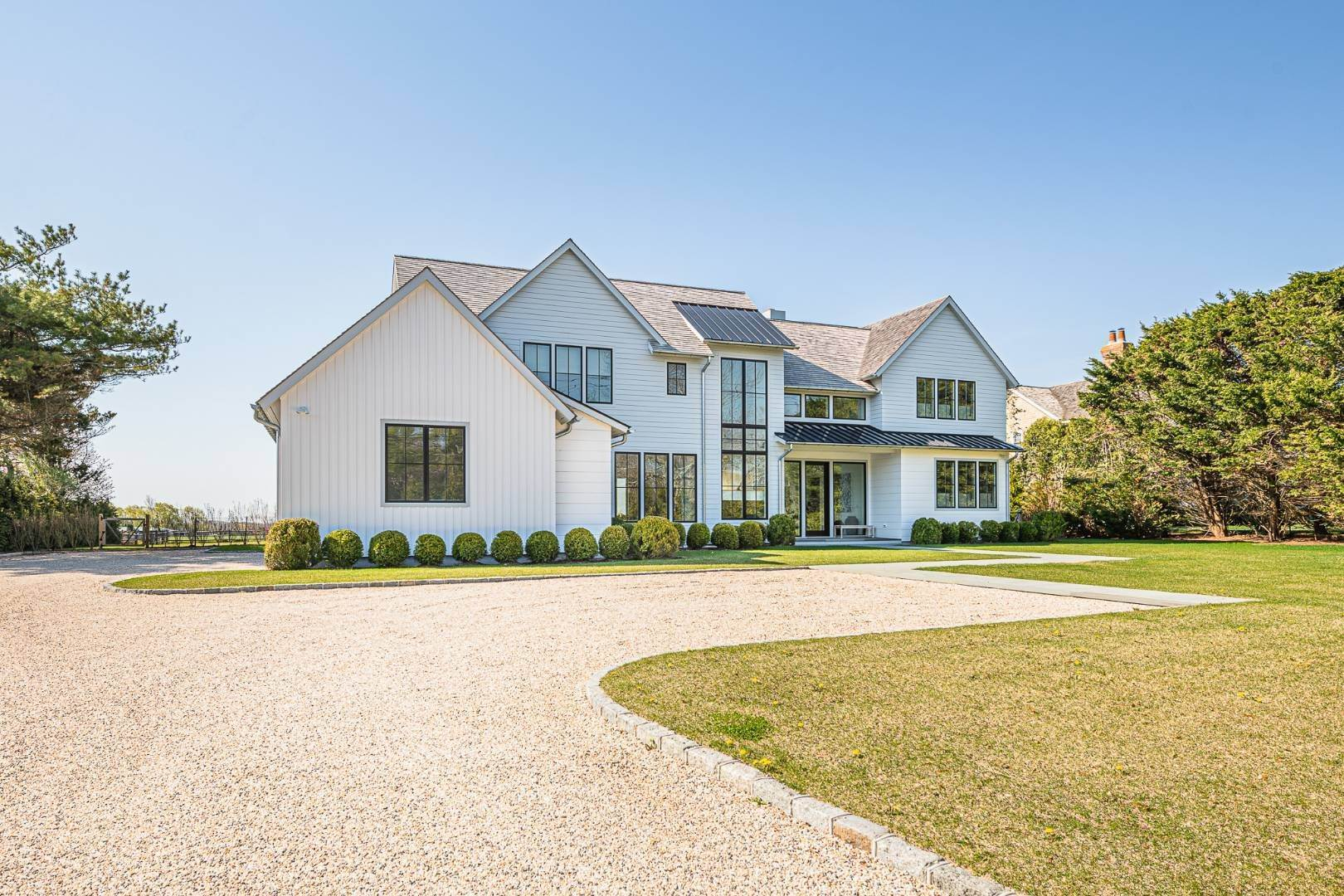 4. Single Family Home at Bridgehampton New Construction Adjacent To Reserve 365 Lopers Path, Bridgehampton, NY 11976