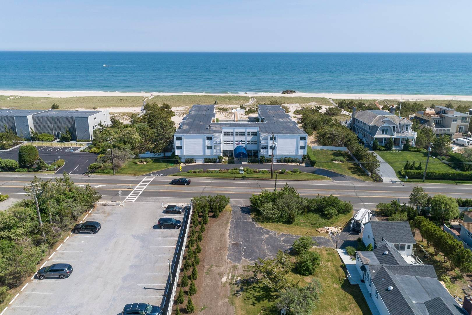 22. Co-op Properties at Oceanfront Living With Sunset Views 281 Dune Road, 8b And 9b, Westhampton Beach Village, NY 11978