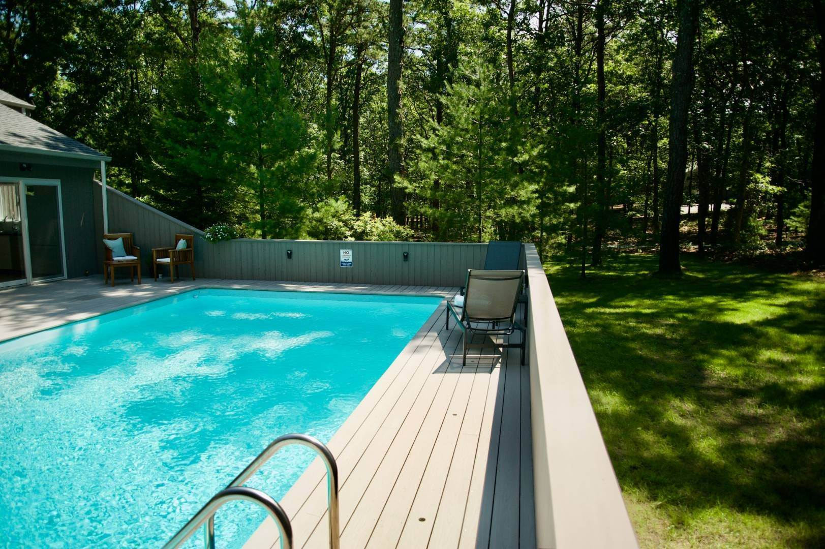 20. Single Family Home at East Hampton Renovated Contemporary With Pool East Hampton, NY 11937