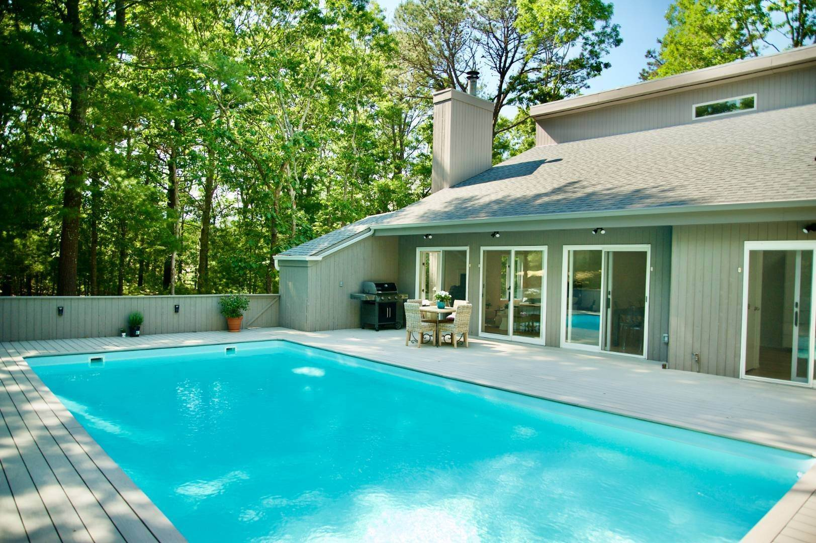 3. Single Family Home at East Hampton Renovated Contemporary With Pool East Hampton, NY 11937