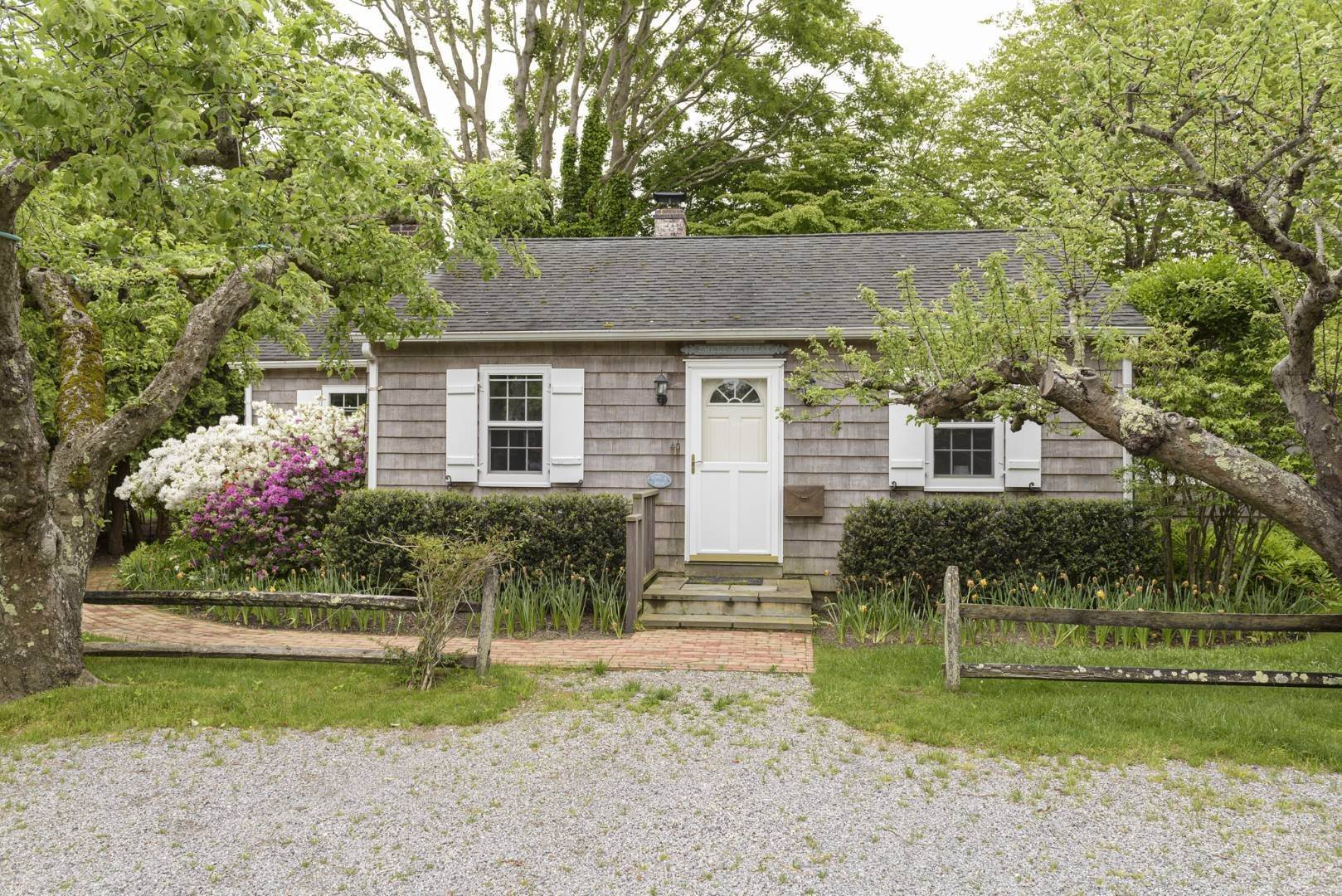 Single Family Home for Sale at Charming East Hampton Village Cottage 40 The Circle, East Hampton, NY 11937