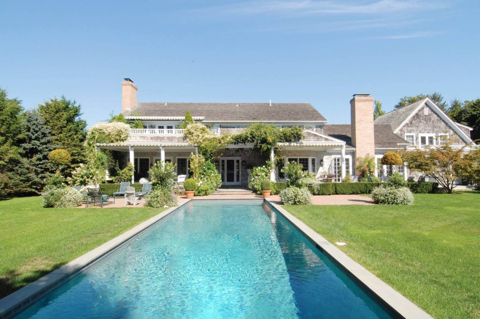 Single Family Home at Luxury Rental In Desirable East Hampton Village In Estate Area 325 Georgica Rd, East Hampton, NY 11937