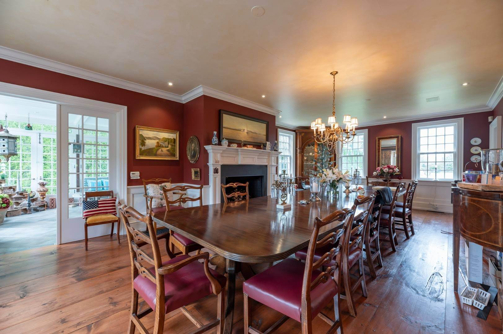 7. Single Family Home at Estate Level Elegance At The Nowedonah House 631 Head Of The Pond Road, Water Mill, NY 11976