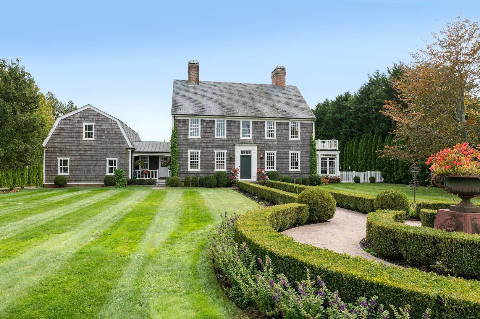 2. Single Family Home at Estate Level Elegance At The Nowedonah House 631 Head Of The Pond Road, Water Mill, NY 11976