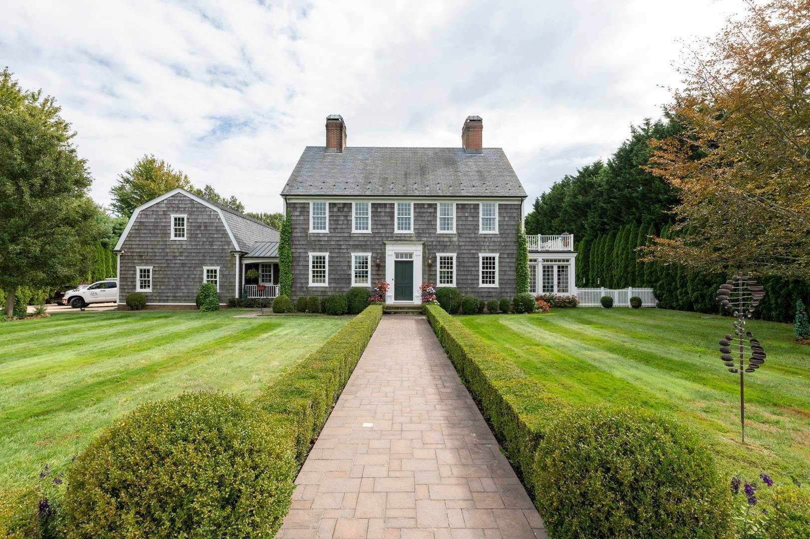 25. Single Family Home at Estate Level Elegance At The Nowedonah House 631 Head Of The Pond Road, Water Mill, NY 11976