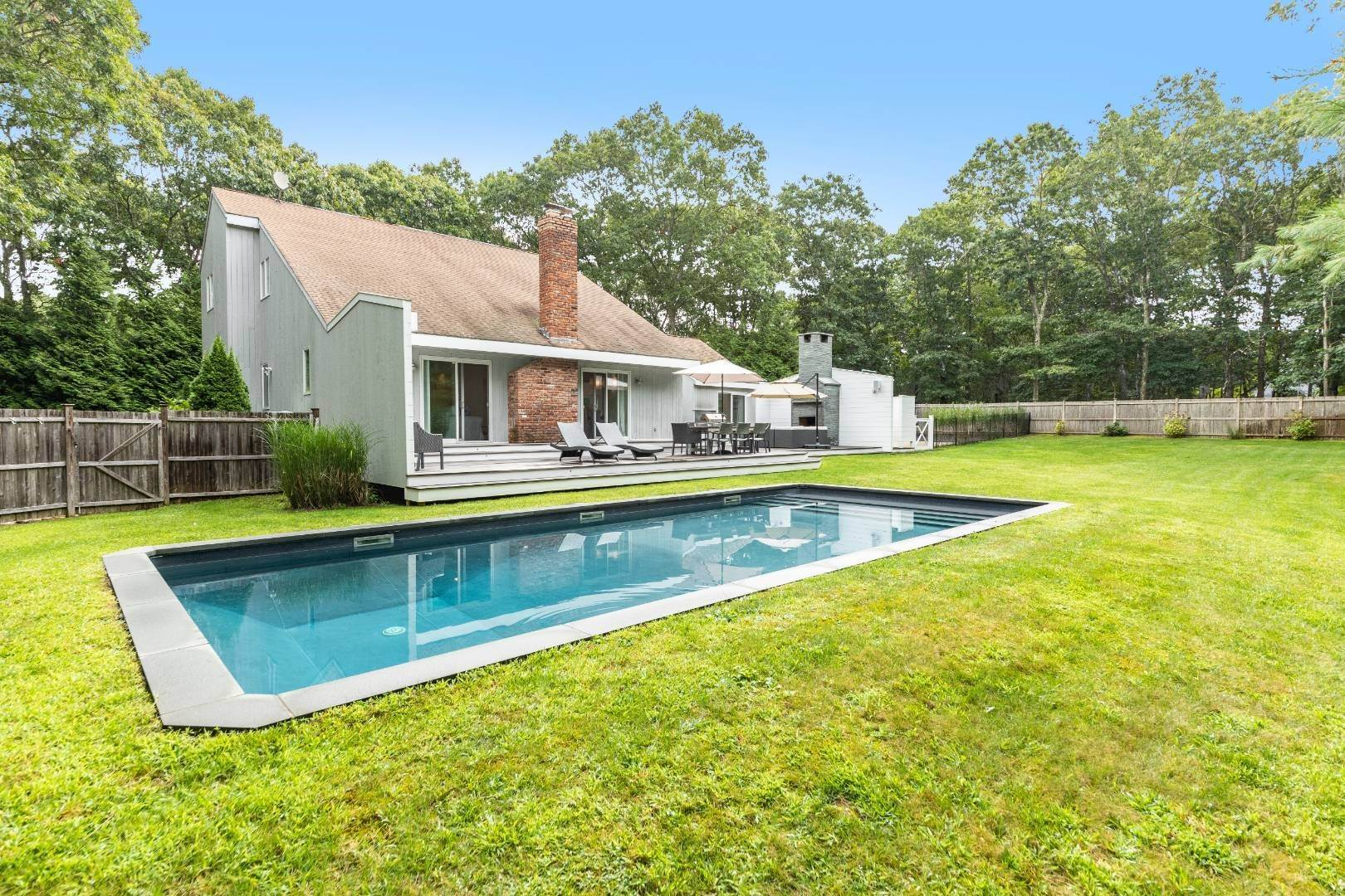 Single Family Home for Sale at Modern Saltbox In Wainscott 1 Red Fox Lane, Wainscott, NY 11937