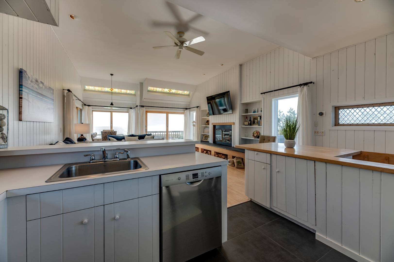 5. Single Family Home at Relaxing Oceanfront Retreat Available Winter Or Summer Rental! 449 Dune Road, Westhampton Beach Village, NY 11978