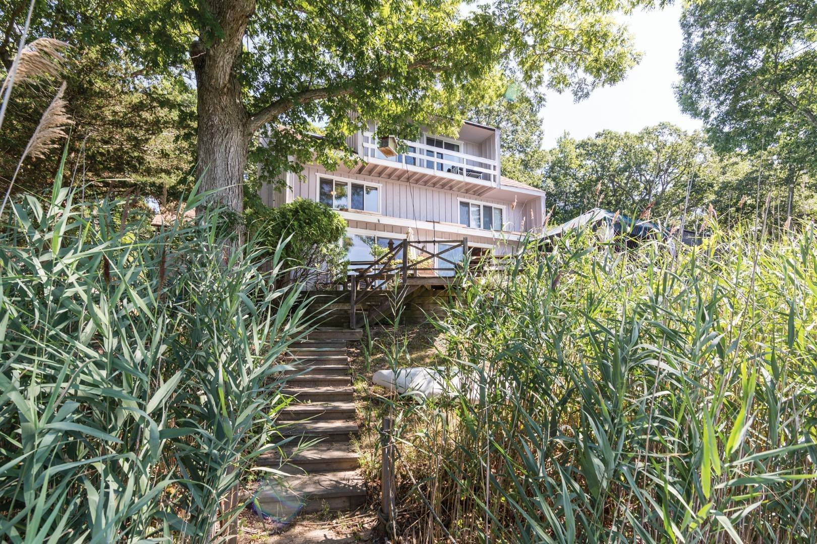 5. Single Family Home at Modernist Waterfront With Pool Near Shelter Island Heights Shelter Island Heights, NY 11965