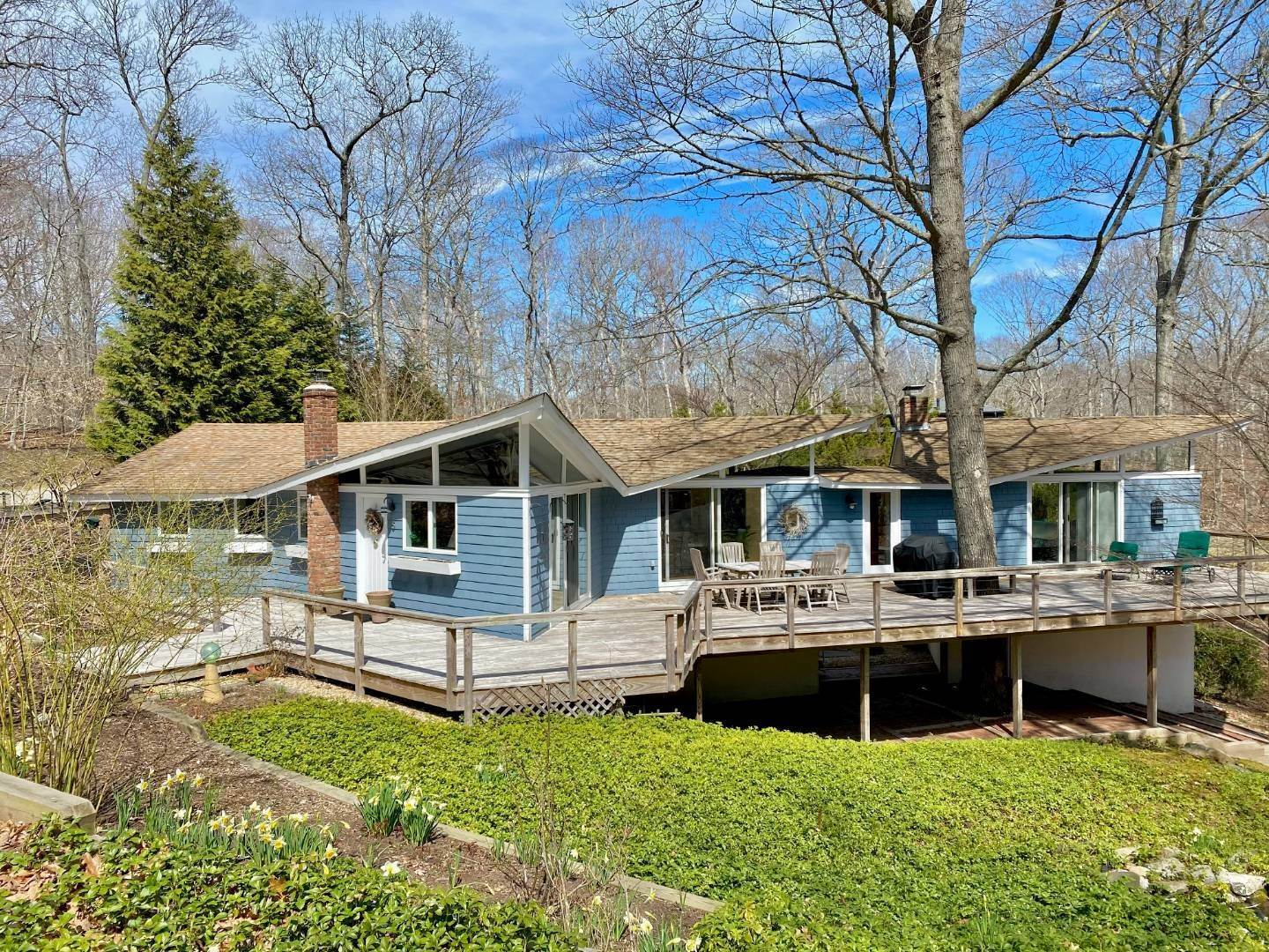 Single Family Home for Sale at Shelter Island Star-Shaped Modern With Pool 5 Heritage Dr, NY 11964