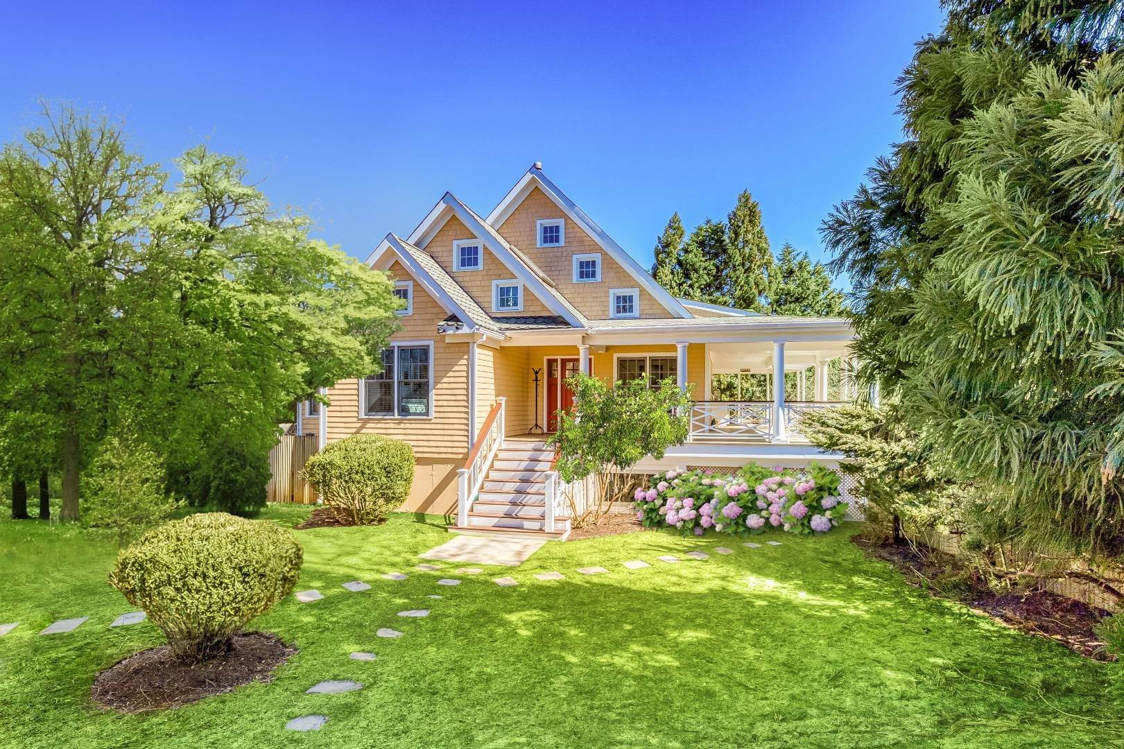 Single Family Home for Sale at Shelter Island Beach Idyll With Guest House And Pool 1 Brander Parkway, Shelter Island Heights, NY 11964