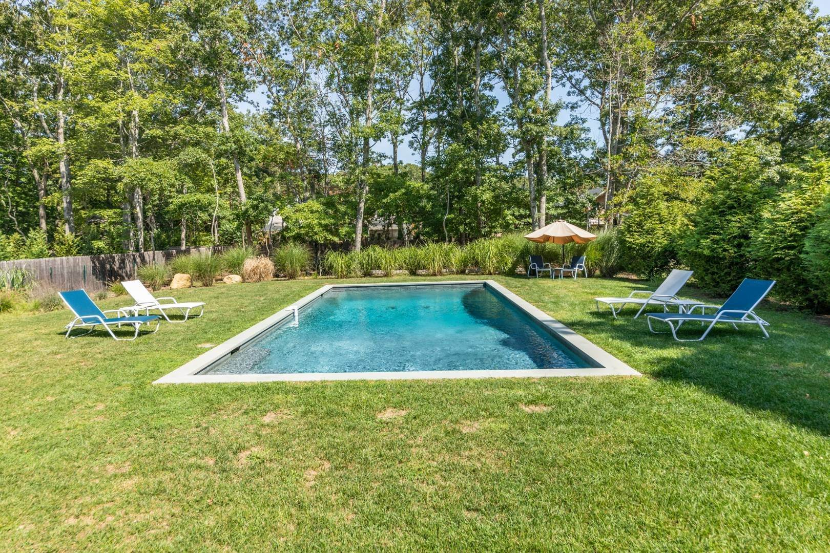 4. Single Family Home at Address Not Available East Hampton, NY 11937