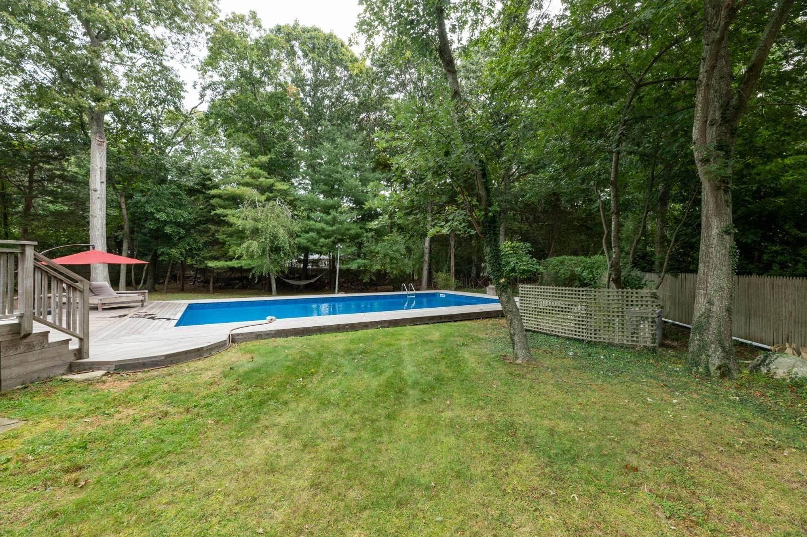 16. Single Family Home at Charming Home With Heated Pool 221 Norfolk Dr, East Hampton, NY 11937