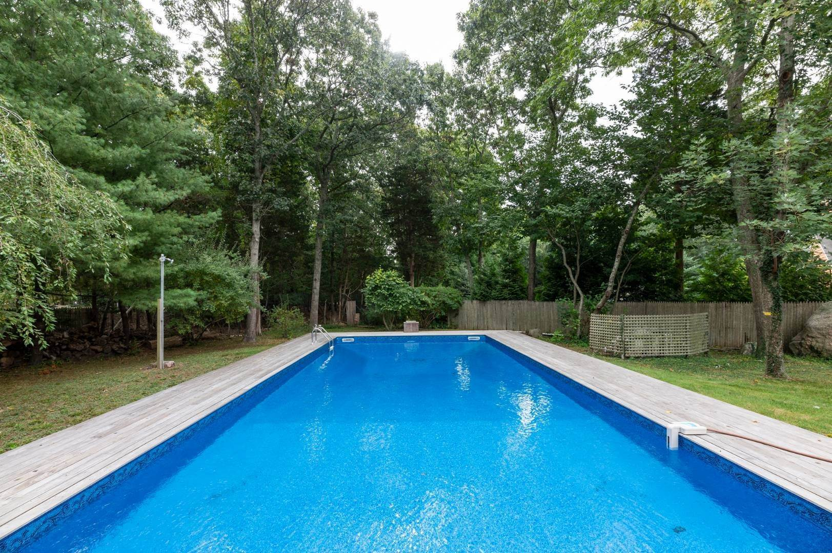 14. Single Family Home at Charming Home With Heated Pool 221 Norfolk Dr, East Hampton, NY 11937