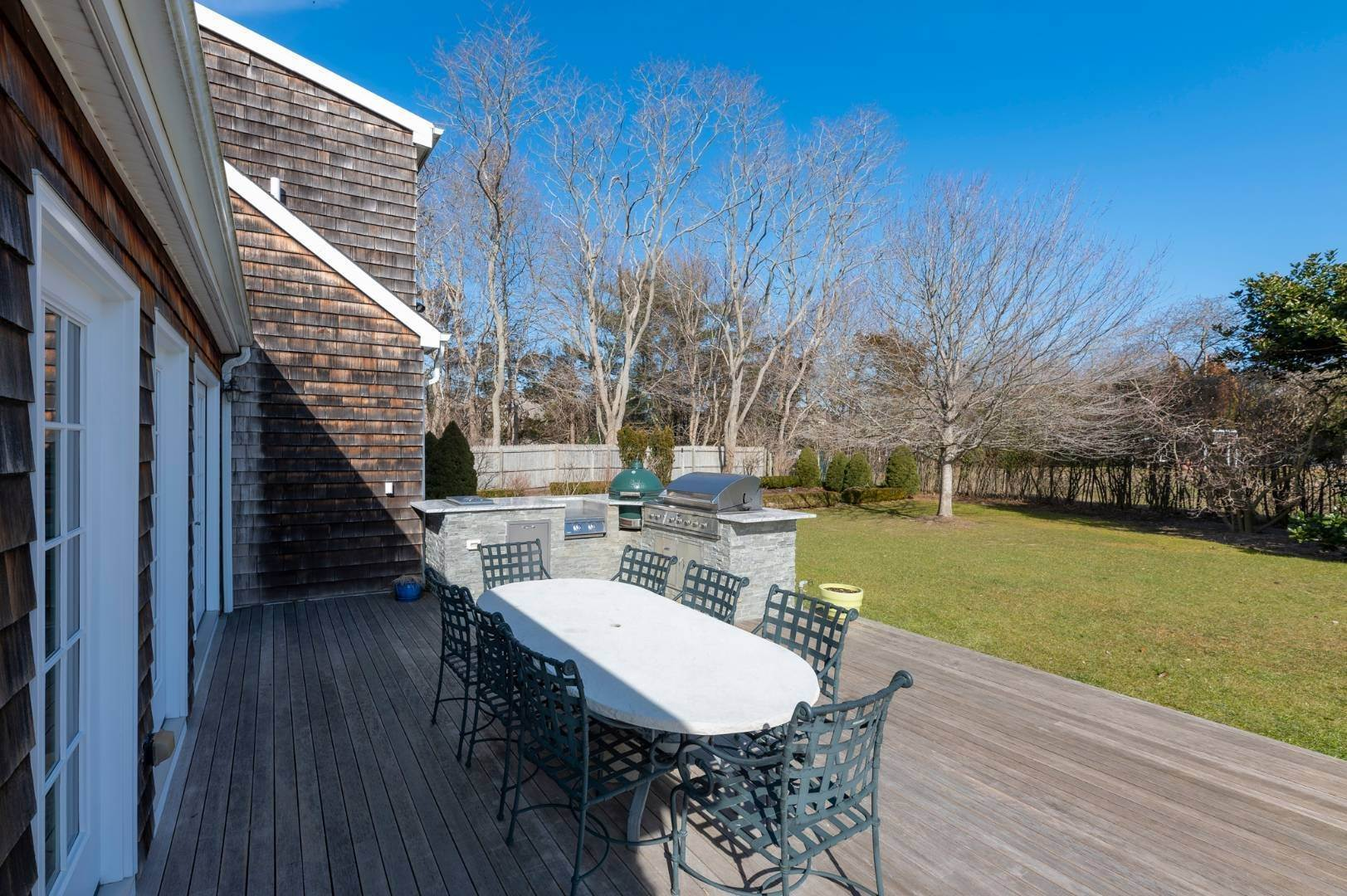 21. Single Family Home at Southaampyon Village Cape Southampton, NY 11968