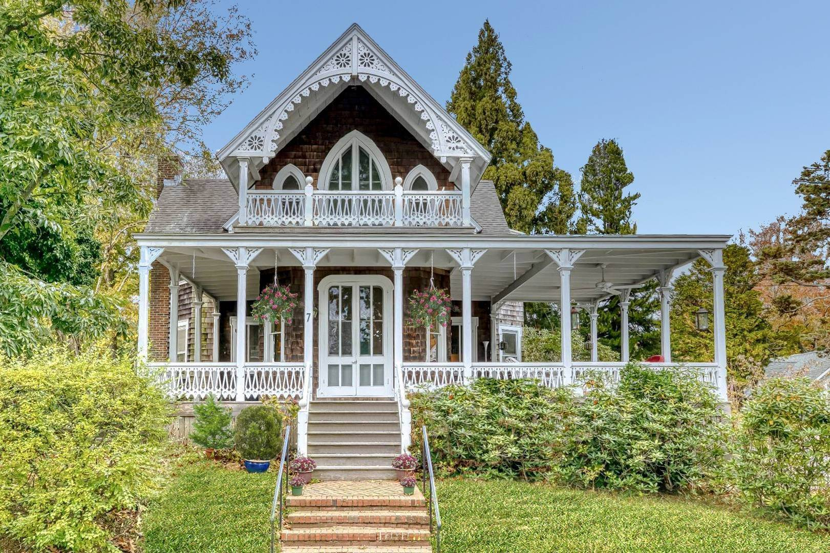 Single Family Home for Sale at Vintage Shelter Island Heights Victorian 7 Spring Garden Avenue, Shelter Island Heights, NY 11964