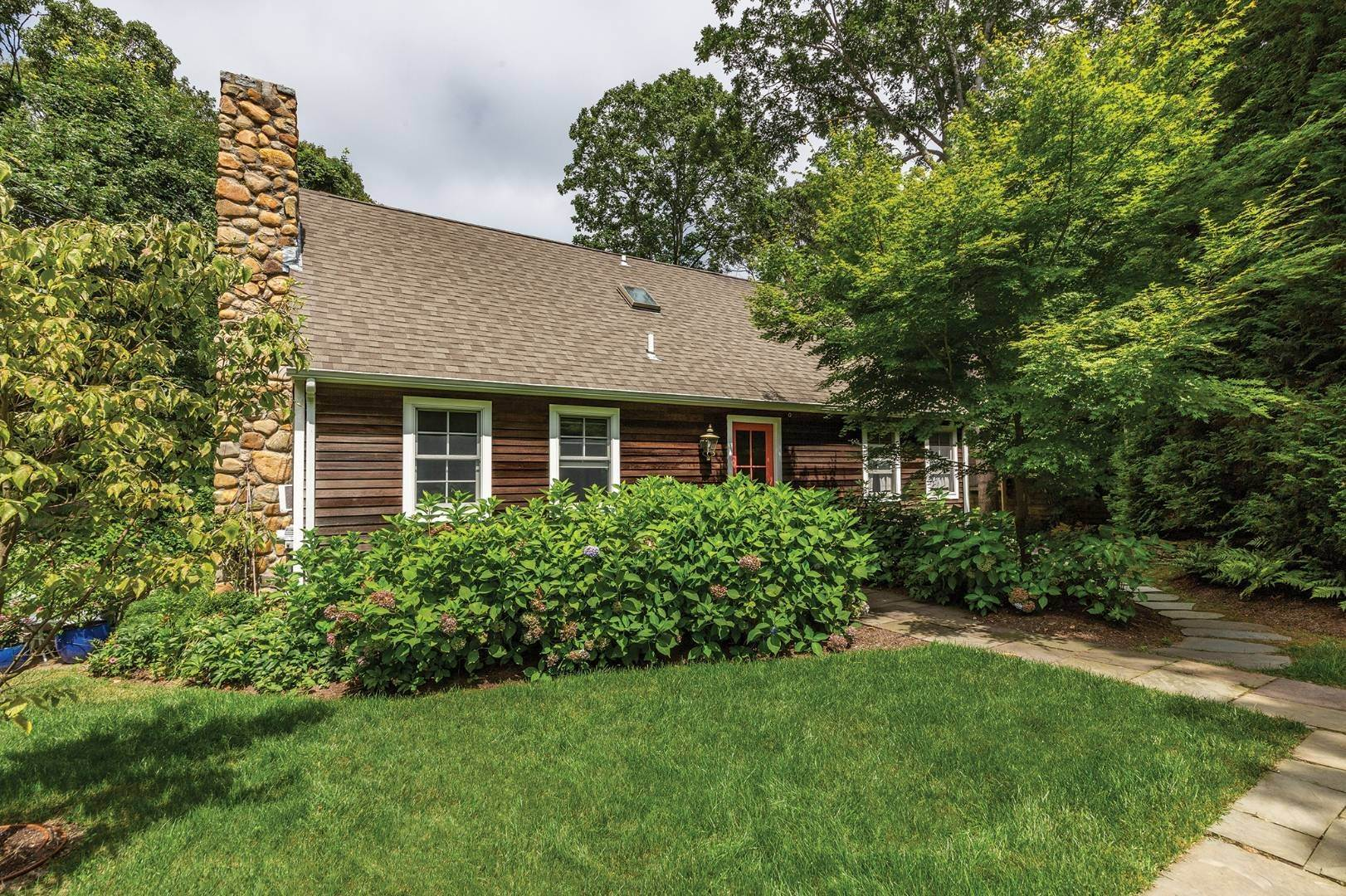 Single Family Home for Sale at Color Me Home 59 Hog Creek Road, East Hampton, NY 11937