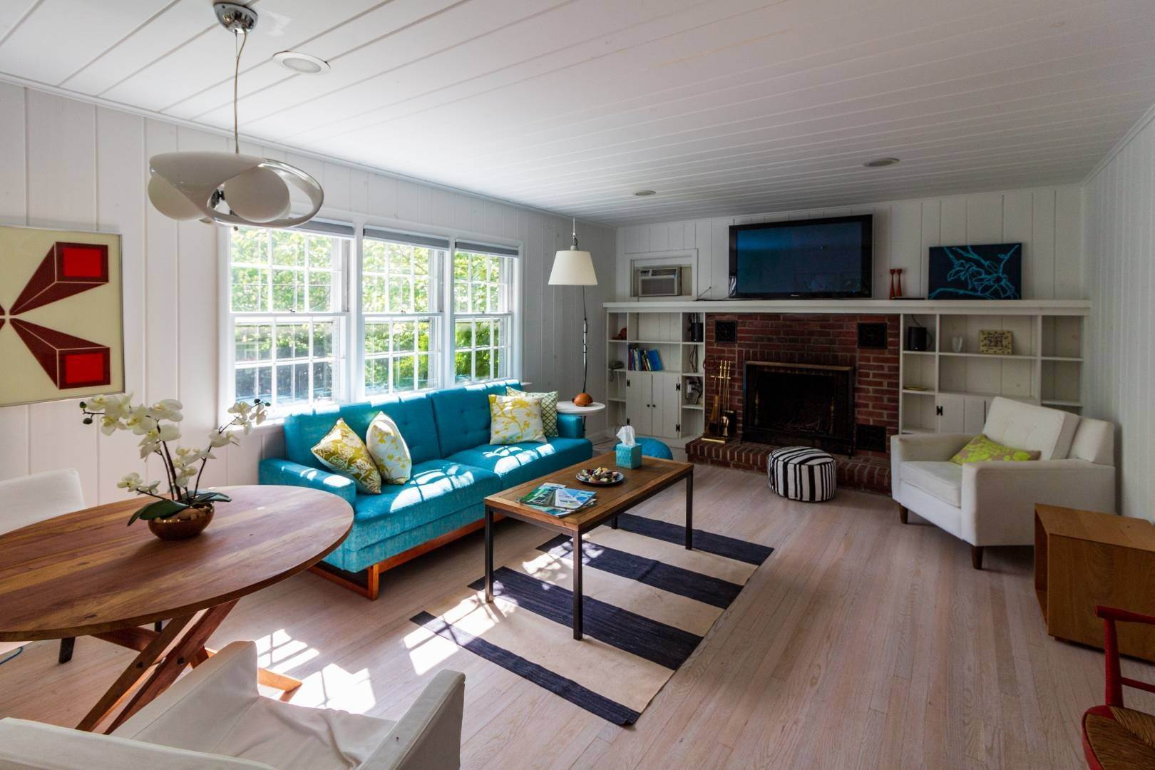 29. Single Family Home at Stuning Bayview Home Southampton South! Southampton, NY 11968