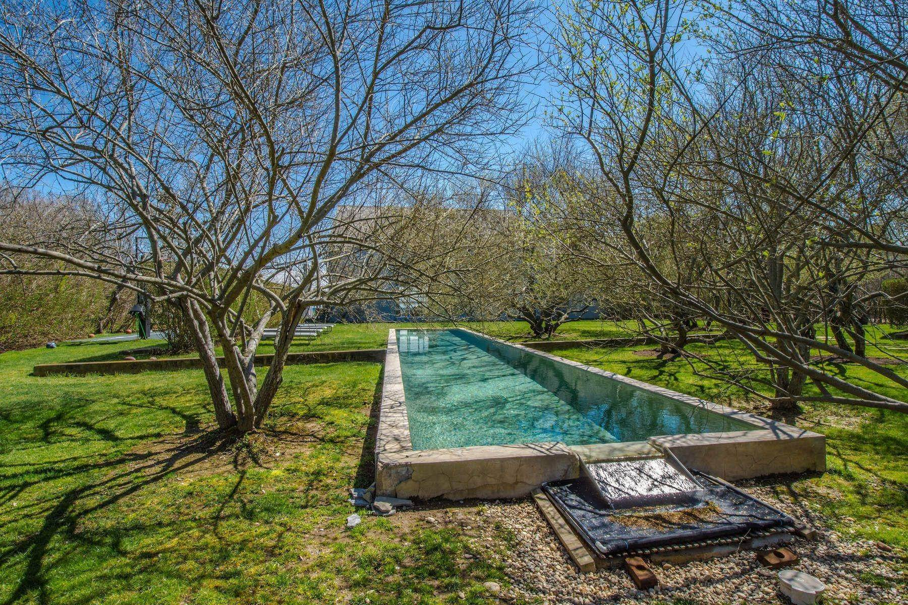 32. Single Family Home at Famous Fashion Designer's Private Oceanfront Retreat 135 Crestview Lane, Sagaponack Village, NY 11962
