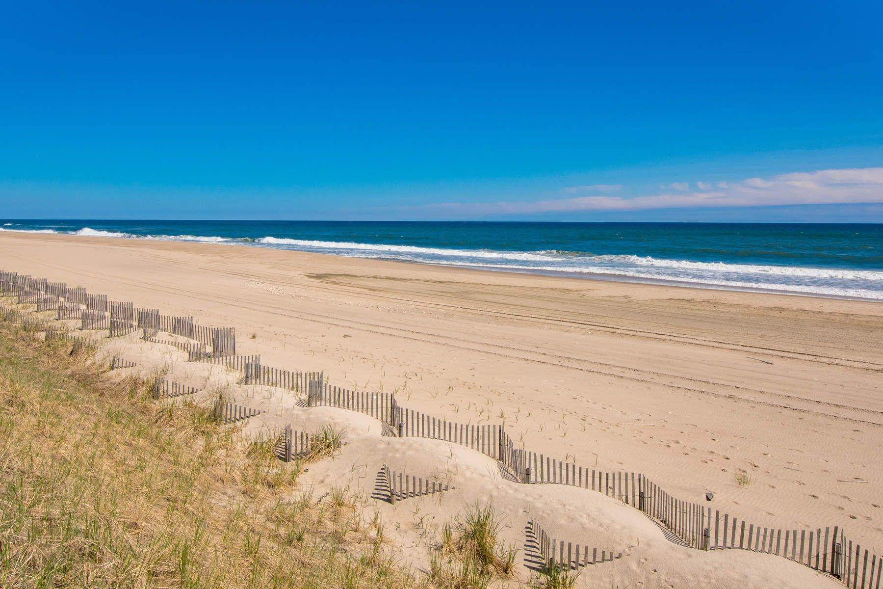 2. Single Family Home at Famous Fashion Designer's Private Oceanfront Retreat 135 Crestview Lane, Sagaponack Village, NY 11962