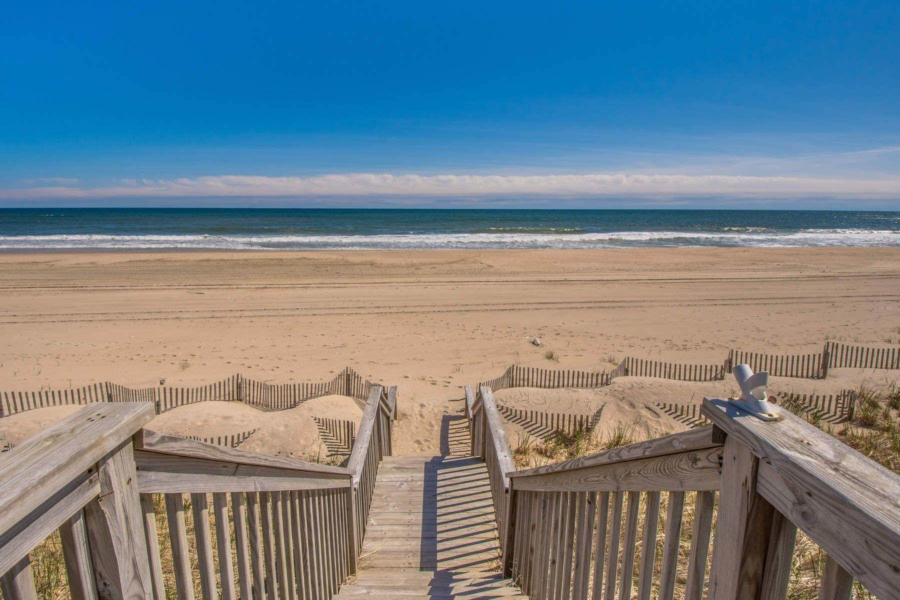 8. Single Family Home at Famous Fashion Designer's Private Oceanfront Retreat 135 Crestview Lane, Sagaponack Village, NY 11962