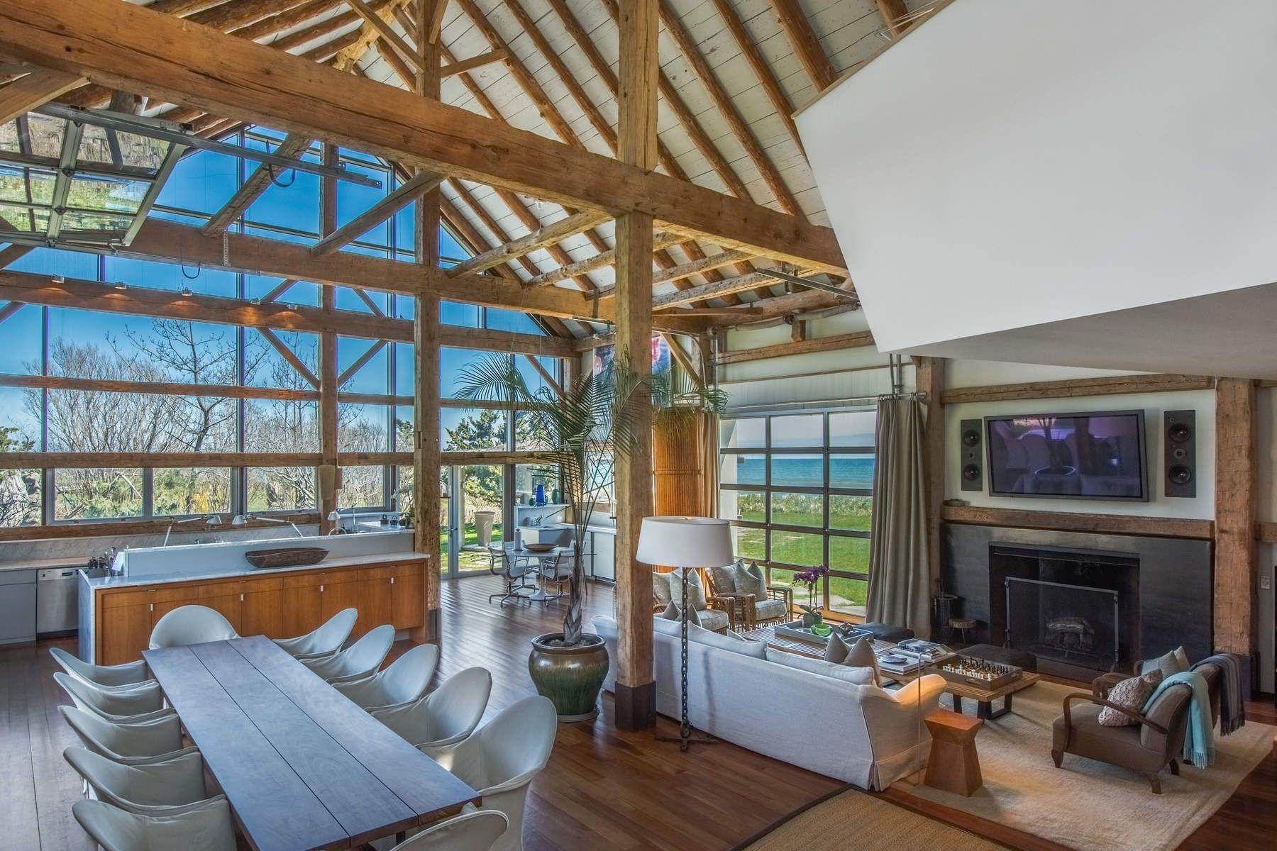 12. Single Family Home at Famous Fashion Designer's Private Oceanfront Retreat 135 Crestview Lane, Sagaponack Village, NY 11962