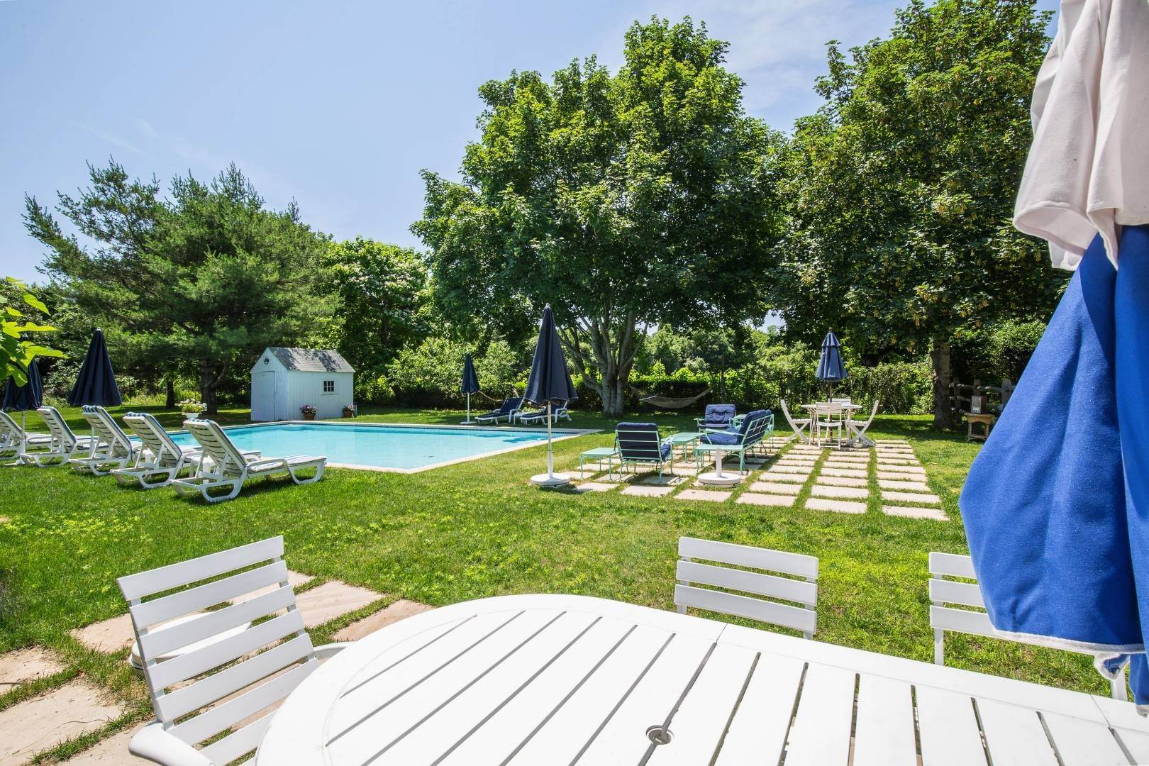 10. Single Family Home at East Hampton Farmhouse Compound East Hampton, NY 11937