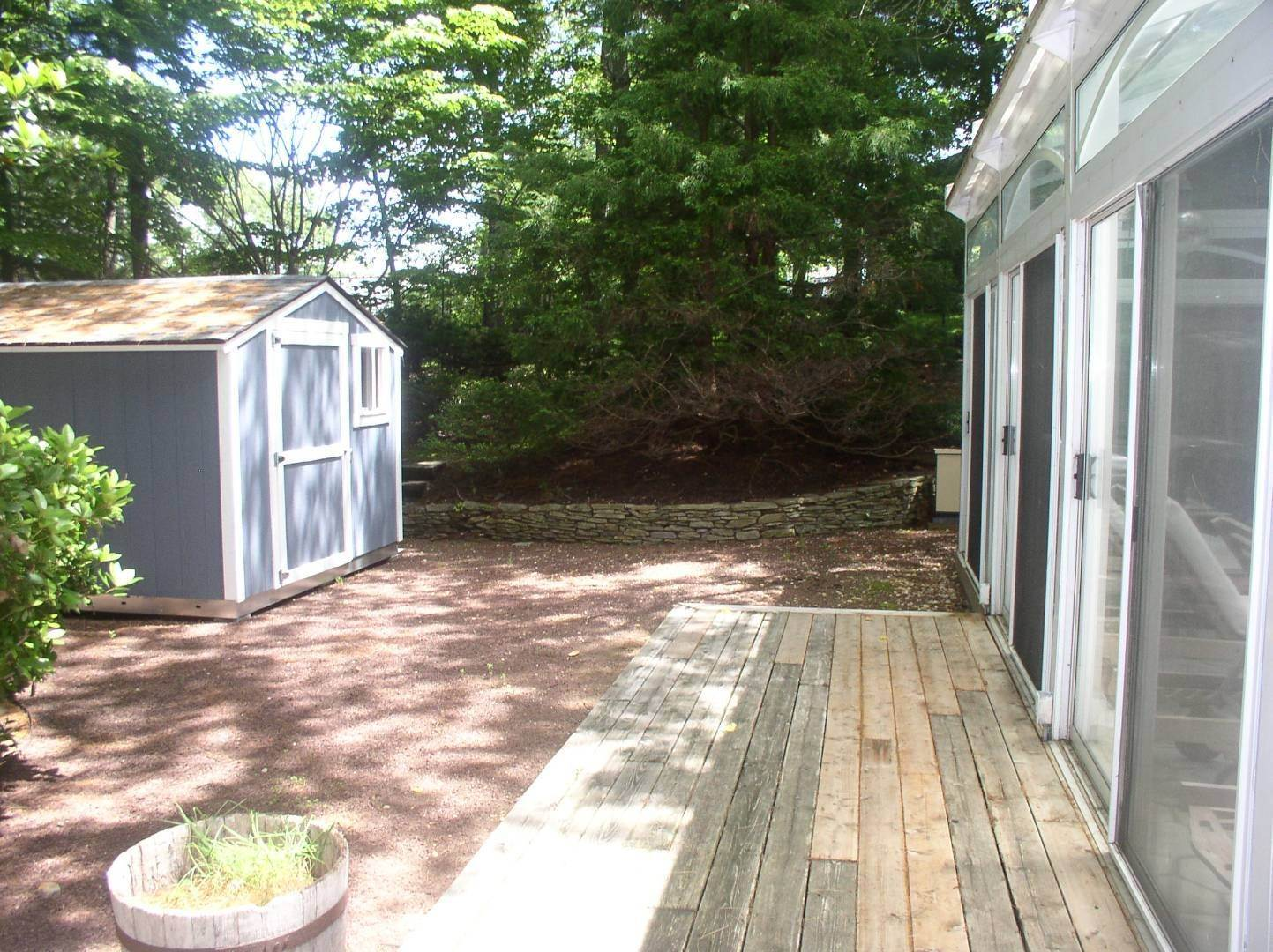 25. Single Family Home at East Hampton Summer Getaway! 120 Springy Banks Road, East Hampton, NY 11937