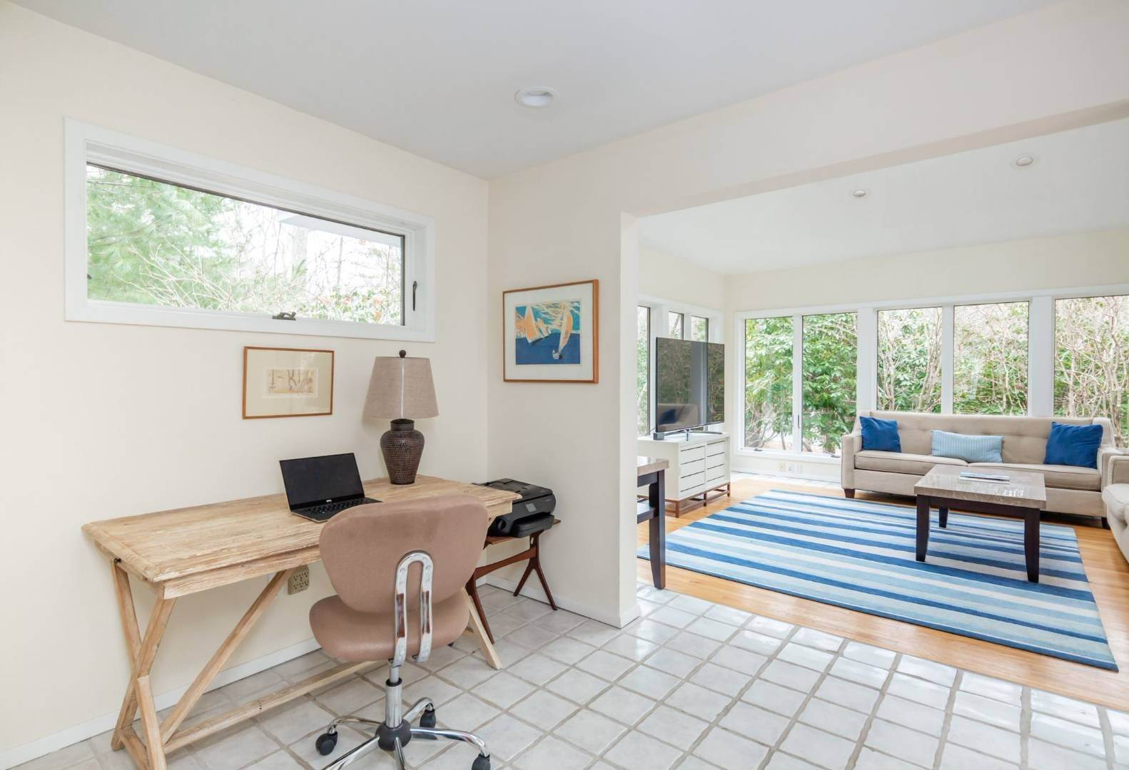 11. Single Family Home at East Hampton Summer Getaway! 120 Springy Banks Road, East Hampton, NY 11937